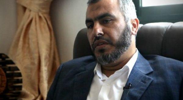 """د. غازي حمد: حماس بين ابو مازن ودحلان""""المعادلة الصعبة""""مقالة تستحق القراءة"""